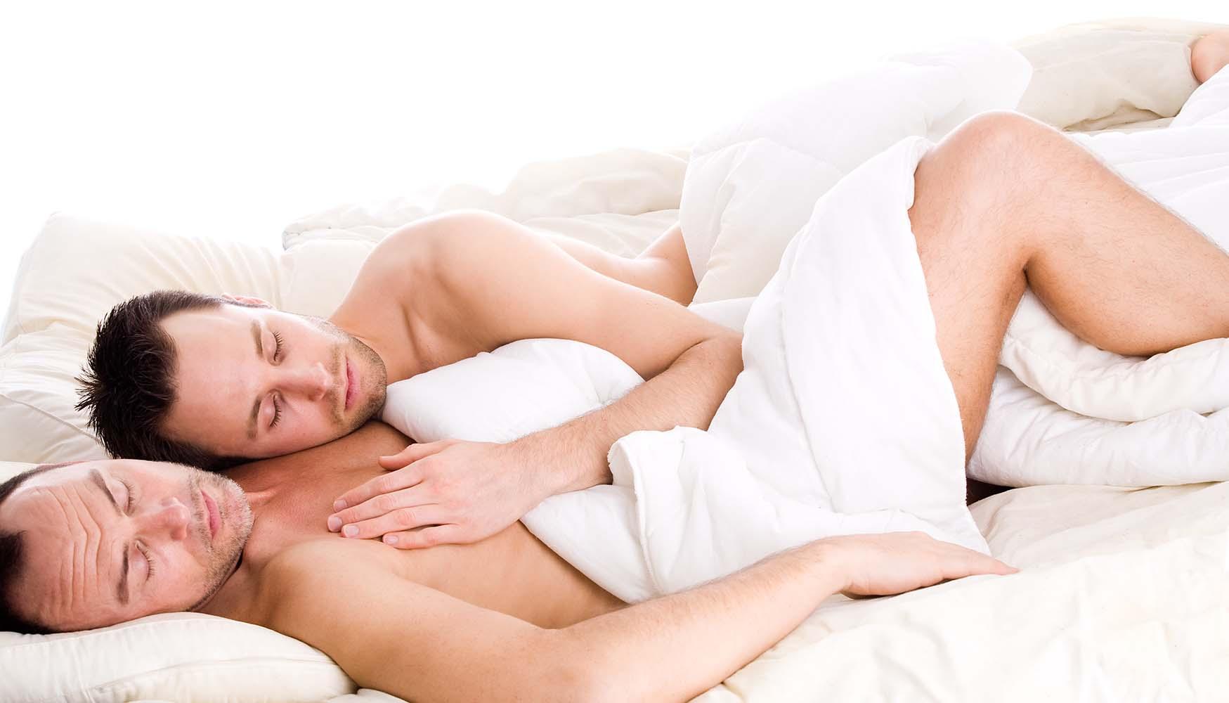 twee mannen in bed