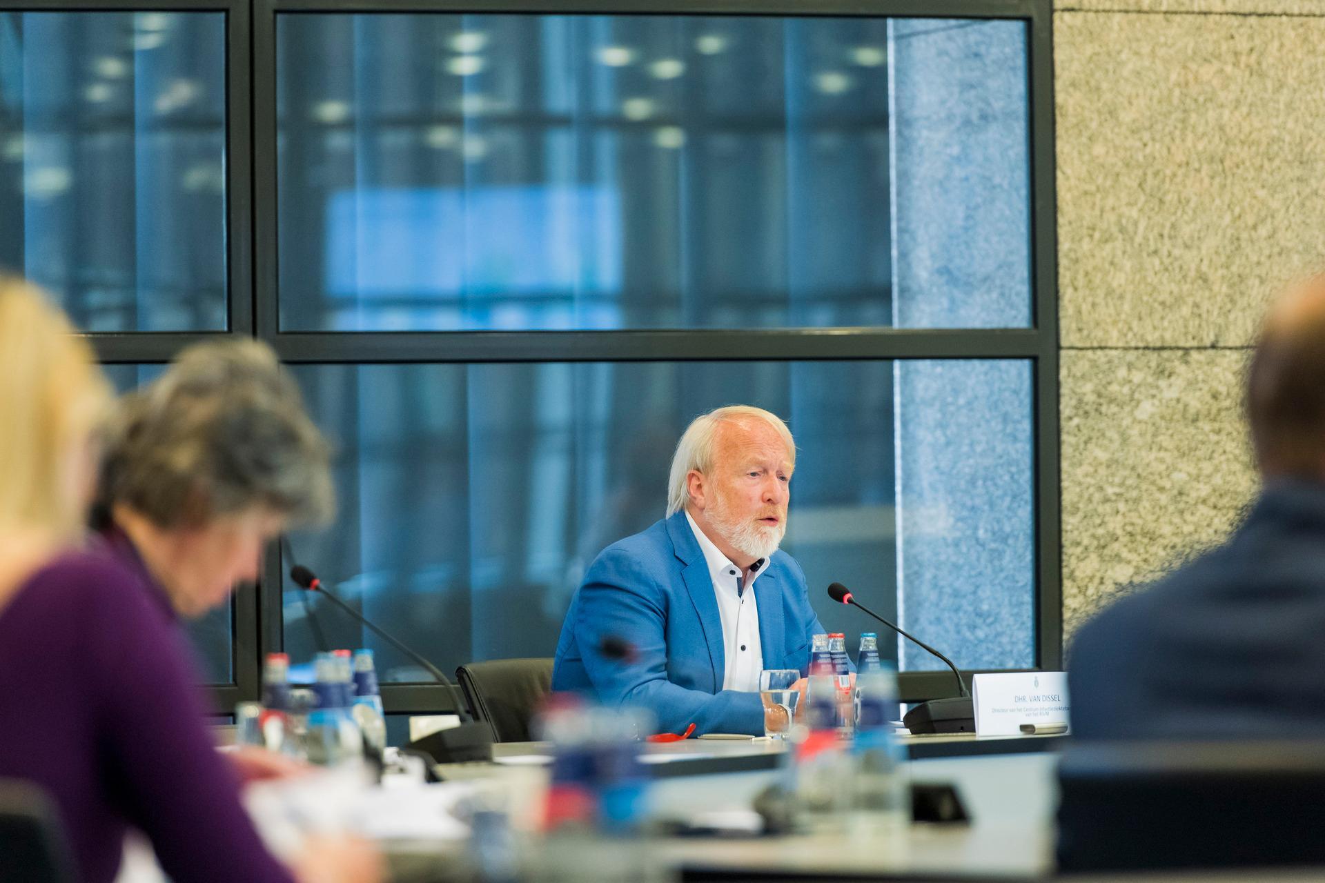 Jaap van Dissel at a technical briefing in the House of Representatives (Tweede kamer in Dutch)
