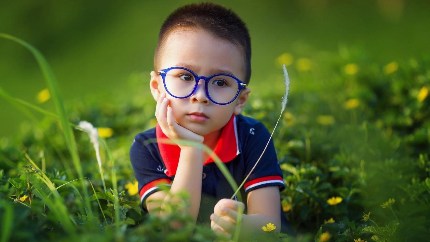 kind met bril