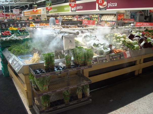 Mistapparaat bij groente in de supermarkt